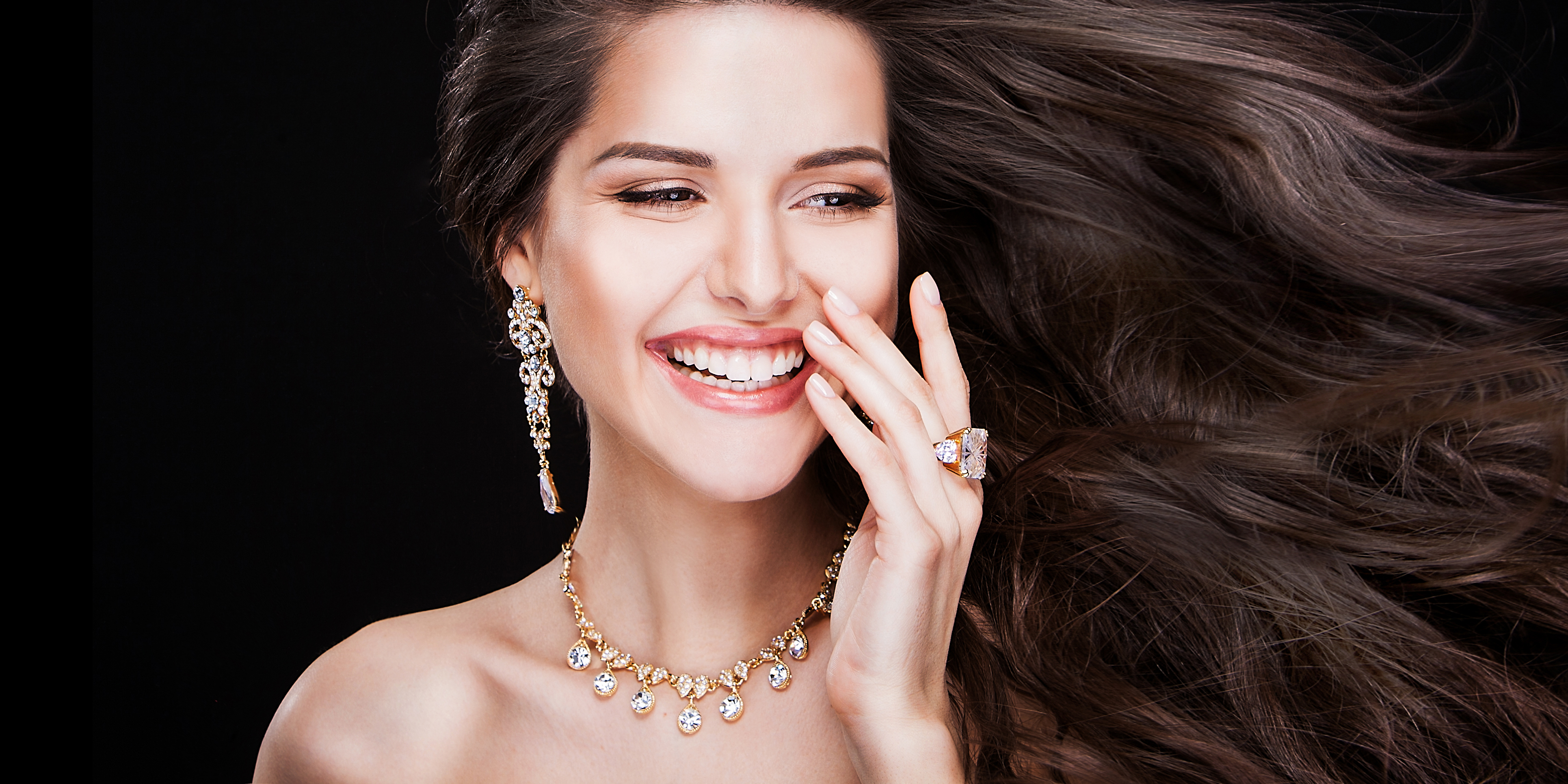 Valentine's Day - A jewel to say yes - Roma Luxury
