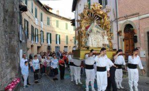 Festa Madonna liberatrice - civita di bagnoregio - roma luxury tour