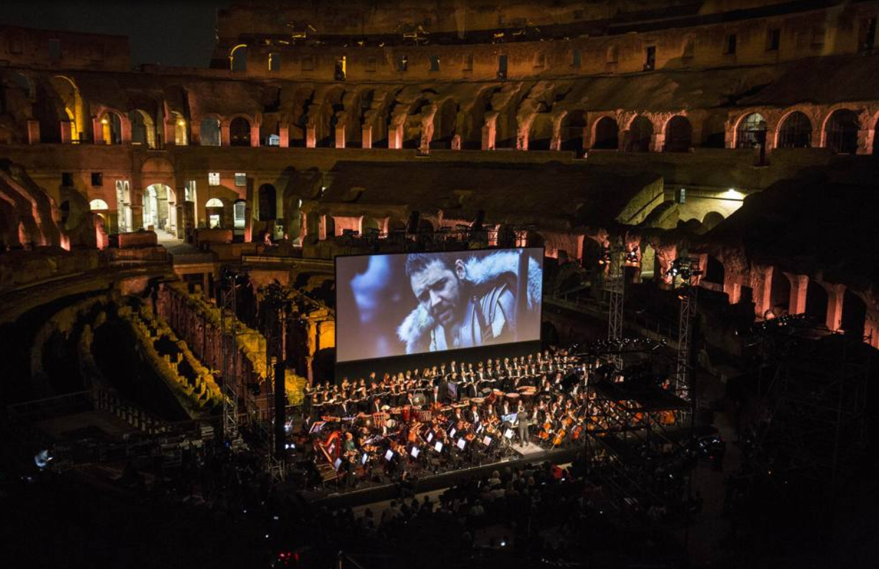 Gladiator_live_in_Rome_-_Charity_night_at_Colosseum_-_Roma_Luxury