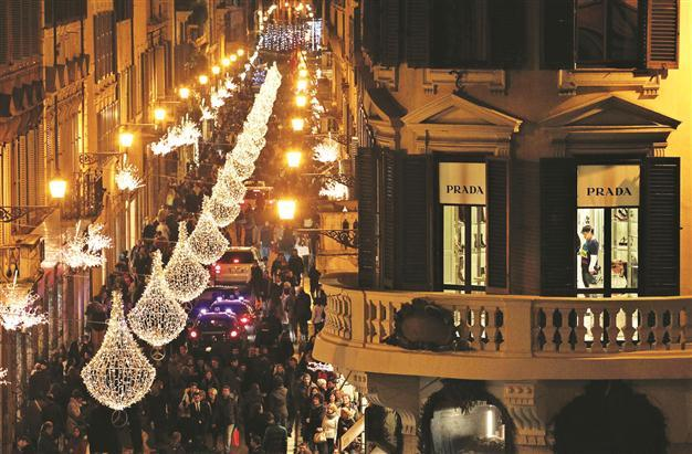 christmas colosseum shopping & cultural tour with roma luxury